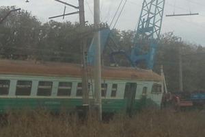 В «ДНР» электричка протаранила грузовик КрАЗ и сошла с рельсов