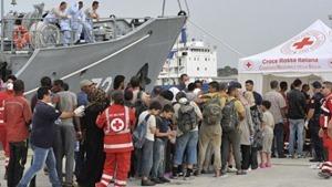 ЕС перешел к силовым методам борьбы с перевозчиками беженцев