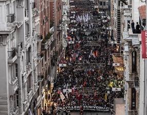 В Турции из-за теракта прокатилась волна массовых протестов