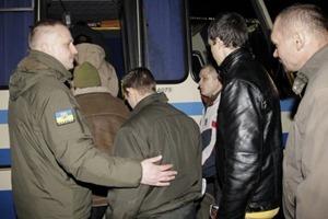 Порошенко: Из плена освобождены девять украинских бойцов