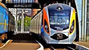 Из-за низкой температуры поезд Интерсити+, сообщением Львов-Киев остановился посреди дороги