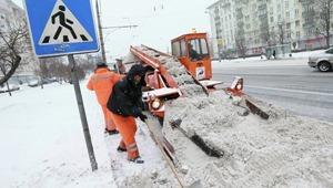 Яценюк призвал местные власти расчистить дороги от снега