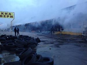 В Одессе вспыхнул масштабный пожар на рынке «Меркурий»