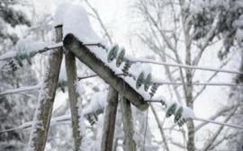 Сильные метели и штормовой ветер наделали беды в пяти областях Украины