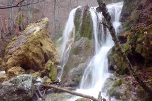 В Крыму обрушился знаменитый водопад «Серебряные струи»