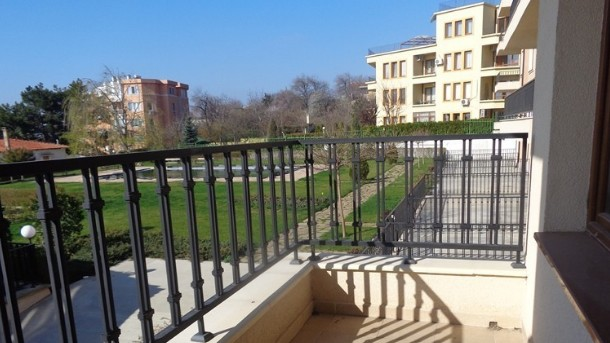 Вид из квартиры в Болгарии