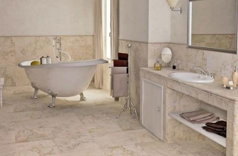 Отделка ванной комнаты гранитной плиткой