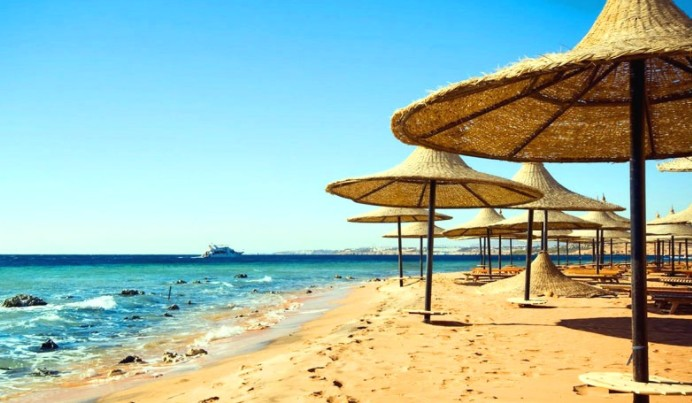 Песчаный пляж в Египте