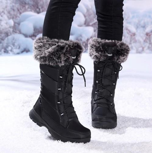 Зимние сапоги черного цвета