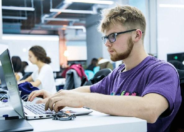 обучение программирования и дизайна